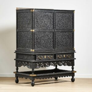 Cabinet sculpté44.200€